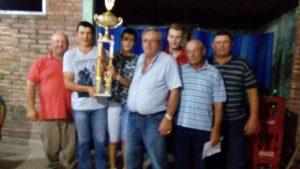san-lusi-recibe-trofeo-1o-puesto